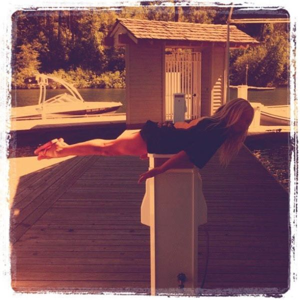 Paulina Gretzky's Sexy Twitpics (74 pics)