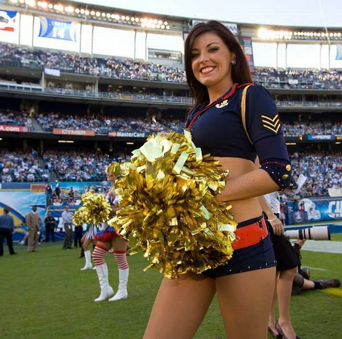 Hot NFL Cheerleader Costumes (79 pics)