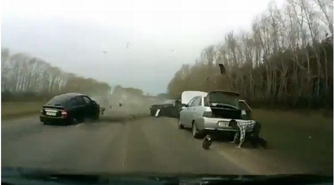Car Crash Fail Compilation (video)