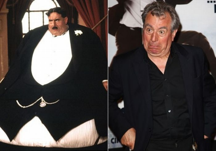 Celebrity Wearing Fat Suits (12 pics)