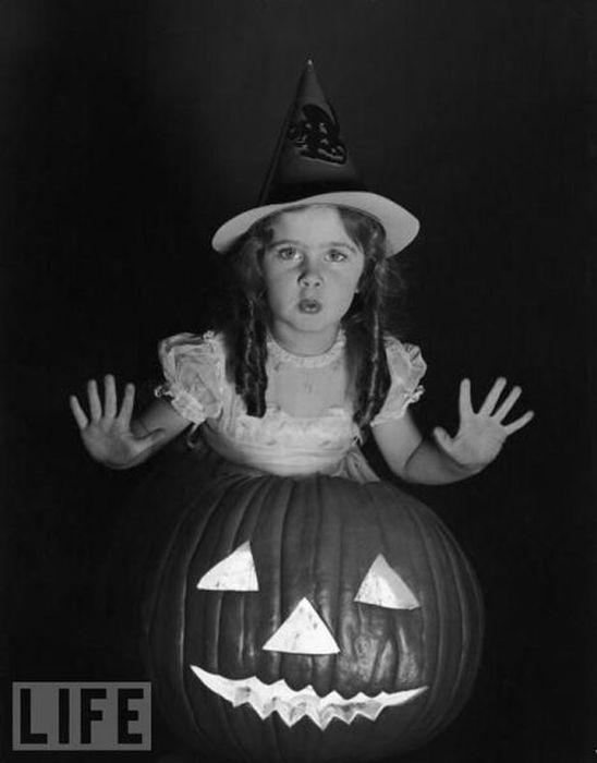 The Evolution of Halloween Costumes (87 pics)
