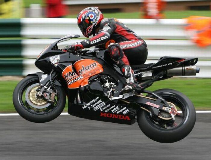 Awesome Racing Photos (122 pics)