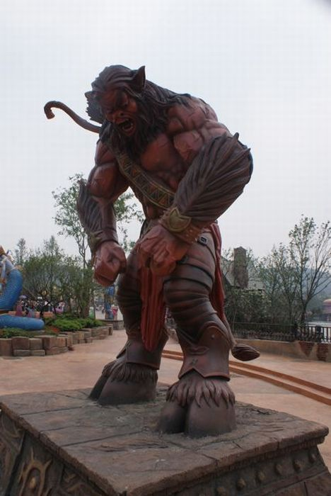 Joyland, Unlicensed Warcraft/Starcraft Theme Park in China (40 pics)