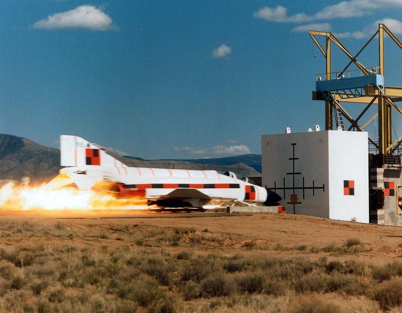 Space Shuttle Crash Test (3 pics)