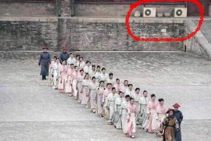 Chinese Movie Fails (8 pics)