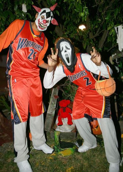 Famous Athletes in Costumes (29 pics)