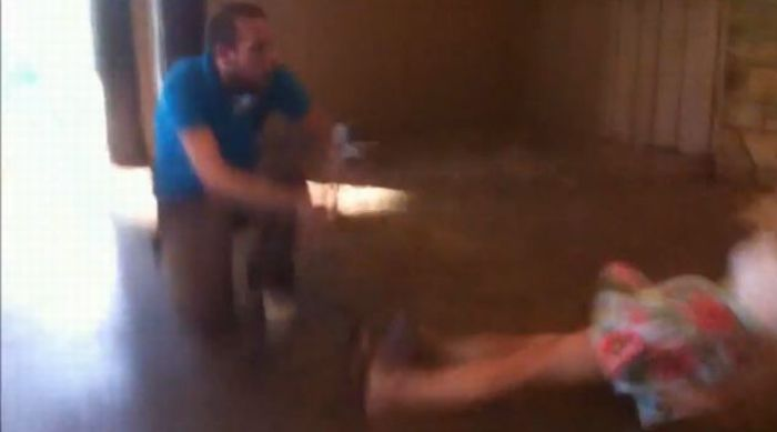 A Girl Blacked Out During the Proposal (6 pics + video)