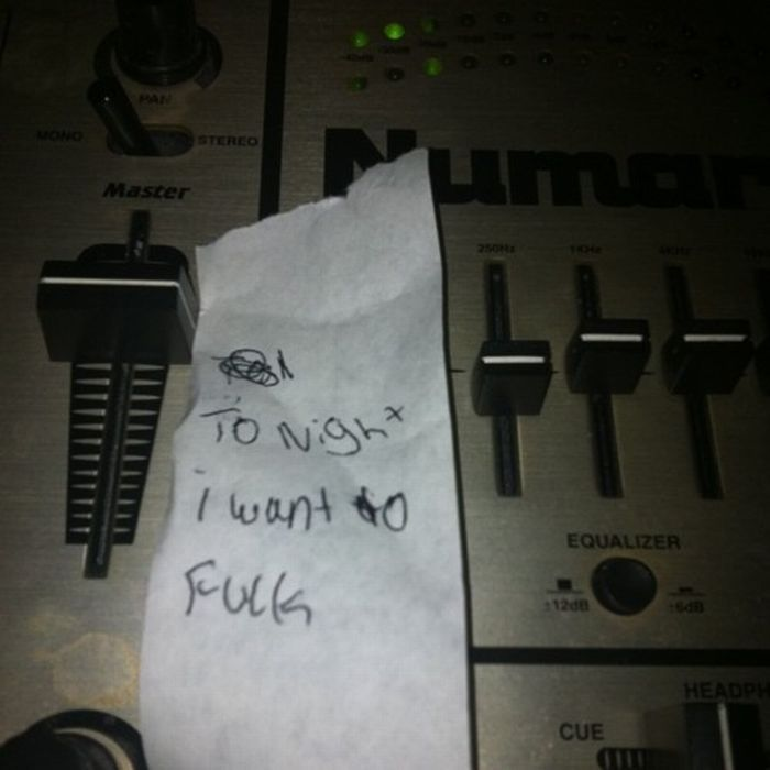 Notes & Signs Found Around the DJ Booth (105 pics)