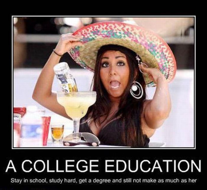 Hot College Girls Demotivational Posters (36 pics)