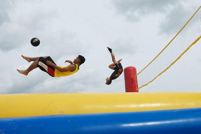 Weird Sport by Sol Neelman (44 pics)
