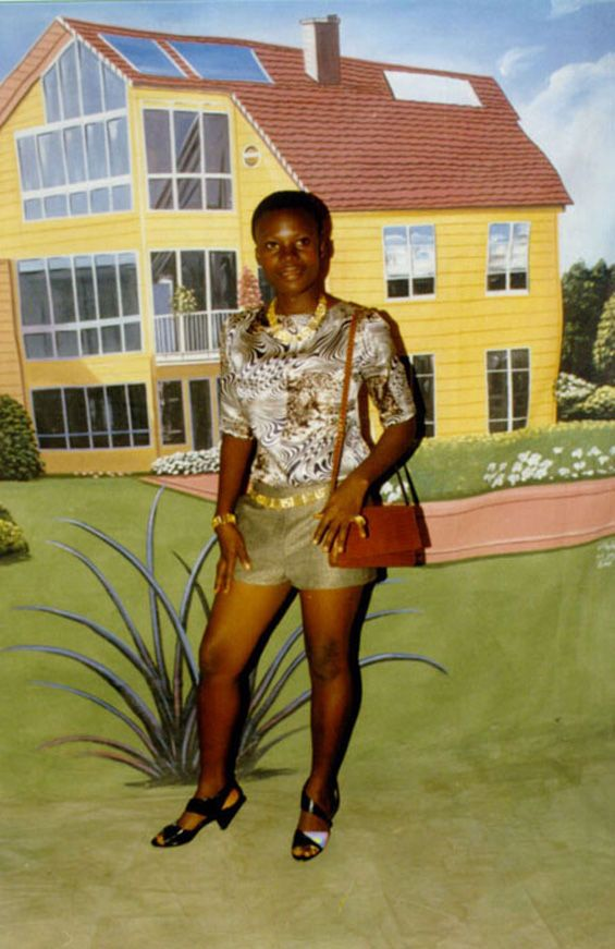 How to Be a Wealthy Man in Ghana (8 pics)
