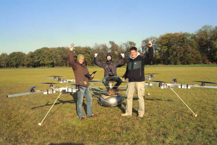 The E-volo – Manned Multicopter (5 pics + video)
