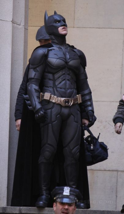 Photos from the Set of The Dark Knight Rises (27 pics)