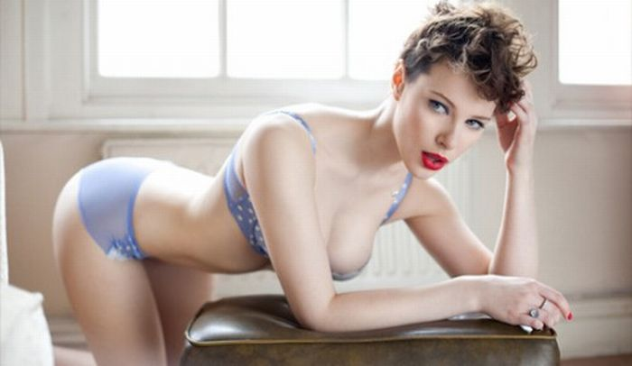 Real Life Pin-up Girls (53 pics)