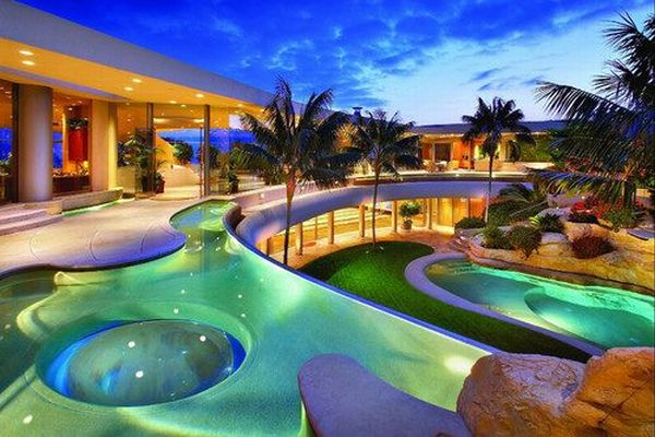 Awesome Backyards (38 pics)