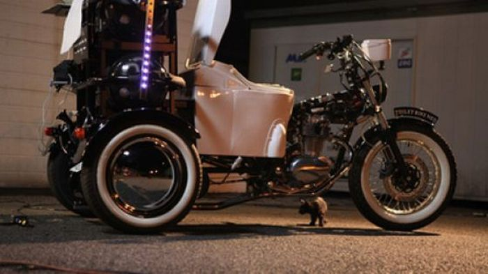 Bike That Runs on Feces (26 pics + video)