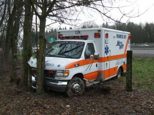 Ambulance Fails (22 pics)