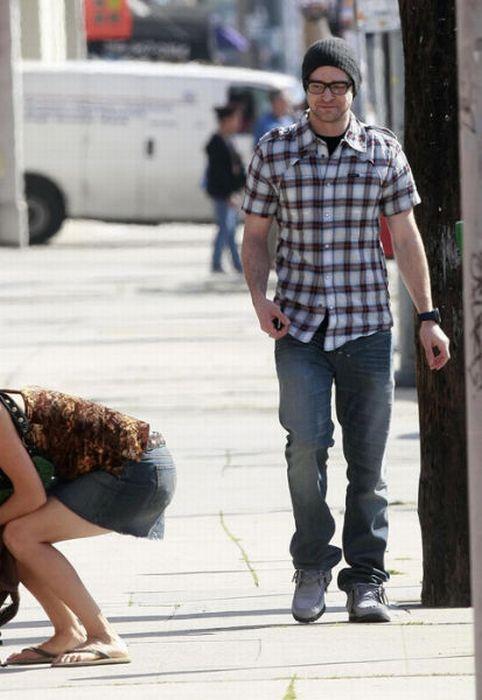 Men Caught Staring (43 pics + 1 gif)