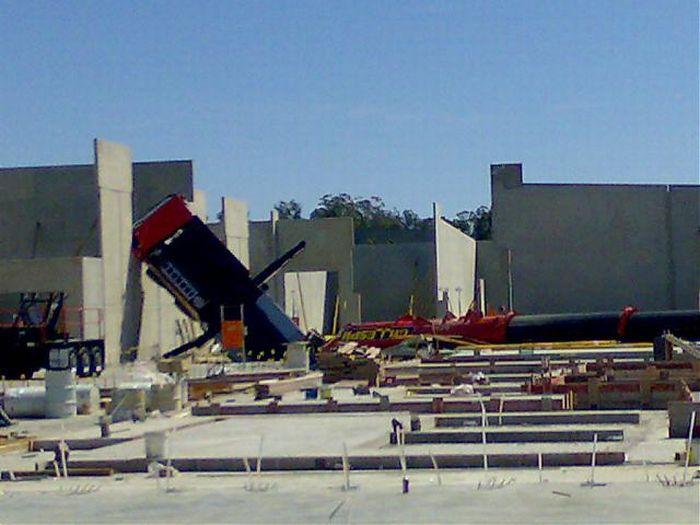 Crane Fail in Australia (7 pics)