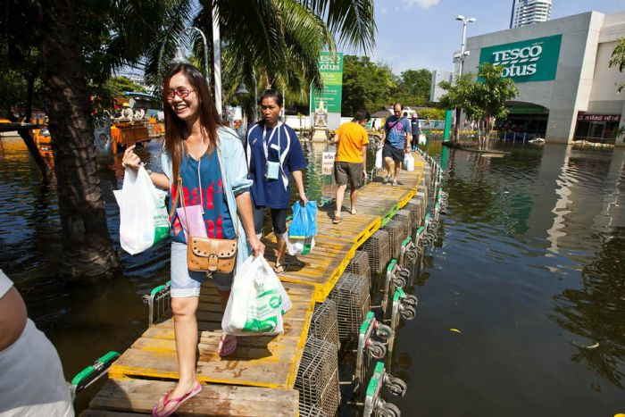 Thai Flood Hacks (29 pics)
