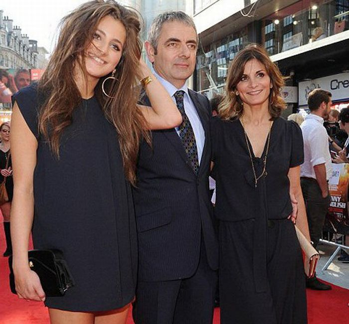 Rowan Atkinson's Daughter (8 pics)