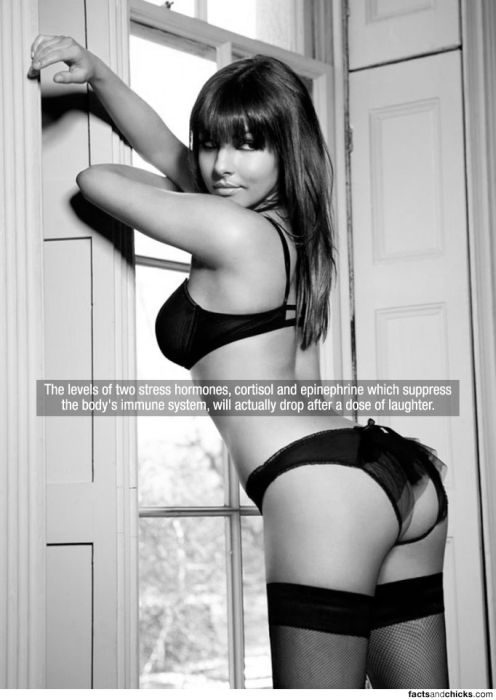 Hot Girls with Random Facts (148 pics)