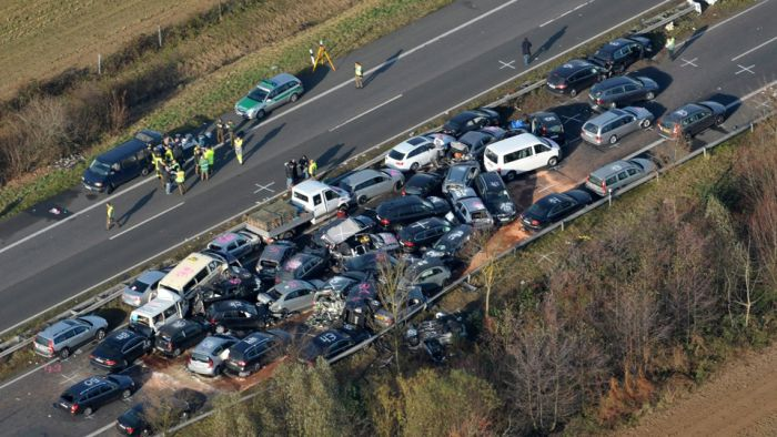 52-Vehicle Pile-up on a German Highway A31 (15 pics)