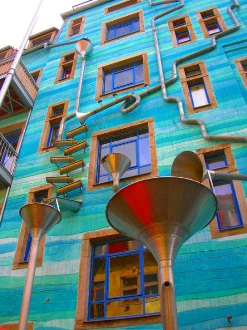A Building That Plays Music When It Rains (5 pics)