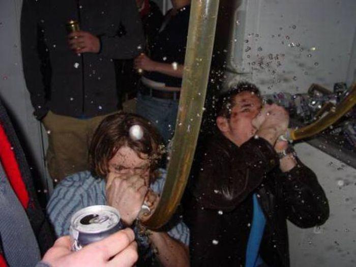 Fun Times in College (47 pics)