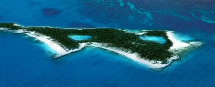 Islands Owned by Famous Celebrities (27 pics)