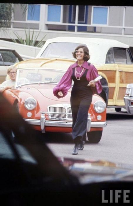 High School Fashion in 1969 (16 pics)
