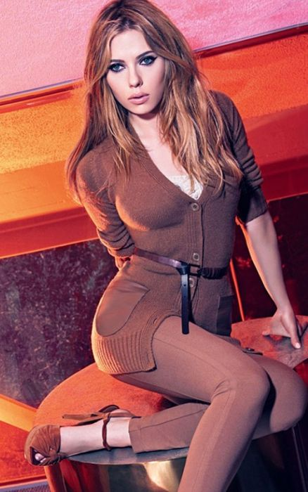 The Sexiest Pictures of Scarlett Johansson (45 pics)