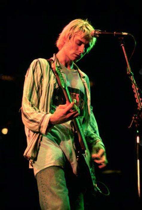 vintage everyday: Unseen Cobain: Rare Photos | Celebrity ...