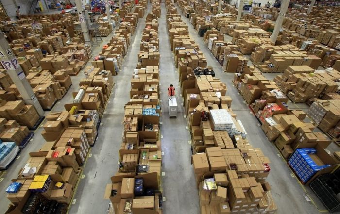 Inside Amazon.com Warehouse (12 pics)