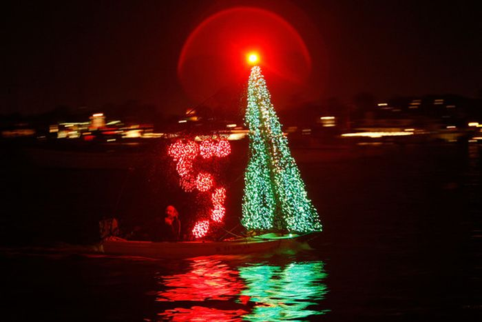 California Christmas Boat Parade (16 pics)