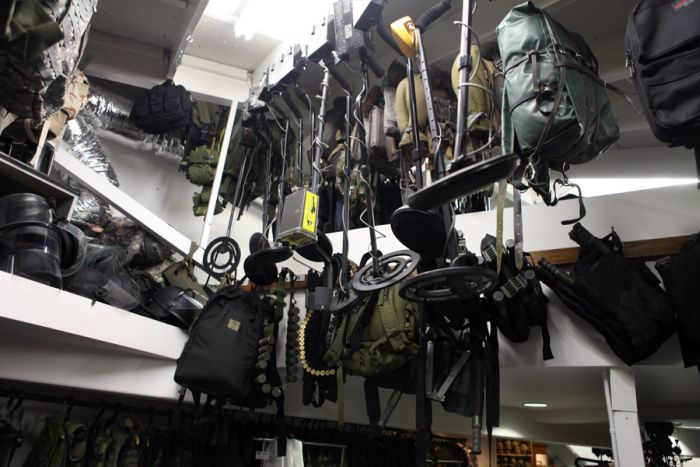 Hollywood Prop Warehouse (49 pics)