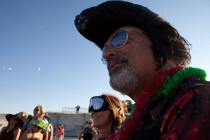 People Getting Married at Burning Man (20 pics)