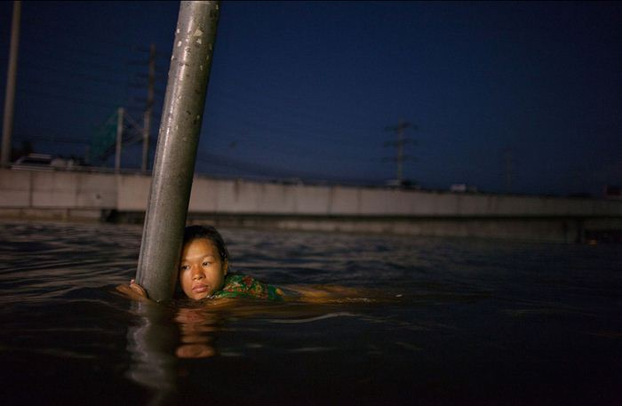 The 45 Most Powerful Images Of 2011 (45 pics)