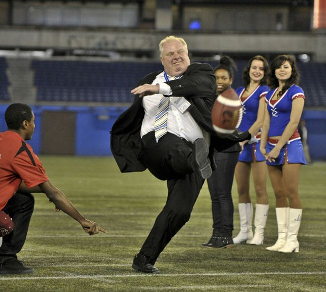 The Best Toronto Mayor Kicking A Football Meme (15 pics)