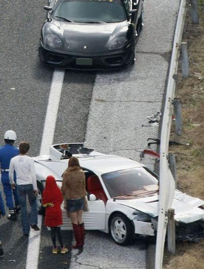 Massive Supercar Crash in Japan (10 pics + video)