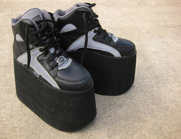 Platform Sneakers Of The '90s (26 pics)