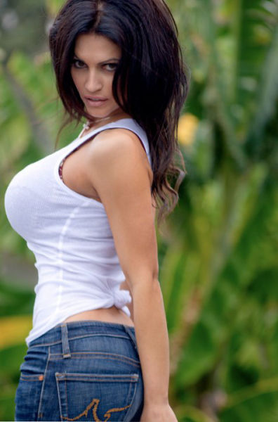 Beautiful Denise Milani Facebook Pictures (48 pics)