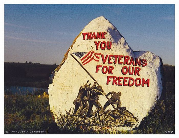 The Freedom Rock (19 pics)