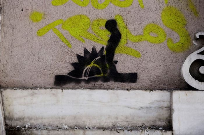 Graffiti in Athens (17 pics)