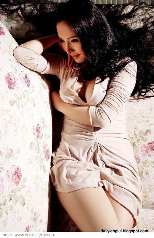 Gan Lulu. Chinese Sexy Internet Sensation (52 pics)