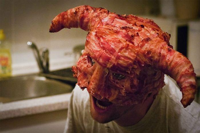 Bacon Meets Skyrim (8 pics)