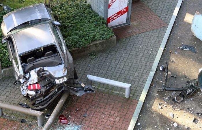 Parking Job Fail (6 pics)