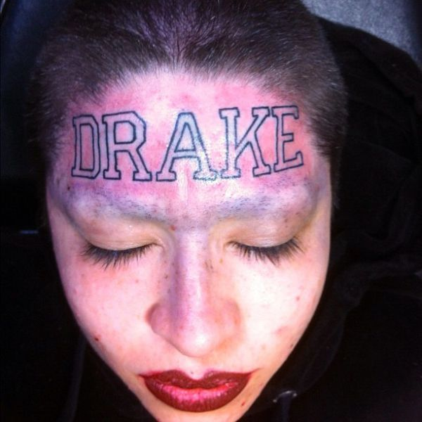 One Crazy Drake Fan (5 pics)