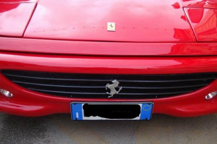 Pontiac into Ferrari (7 pics)