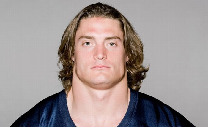 The NFL's Widest Necks (8 pics)